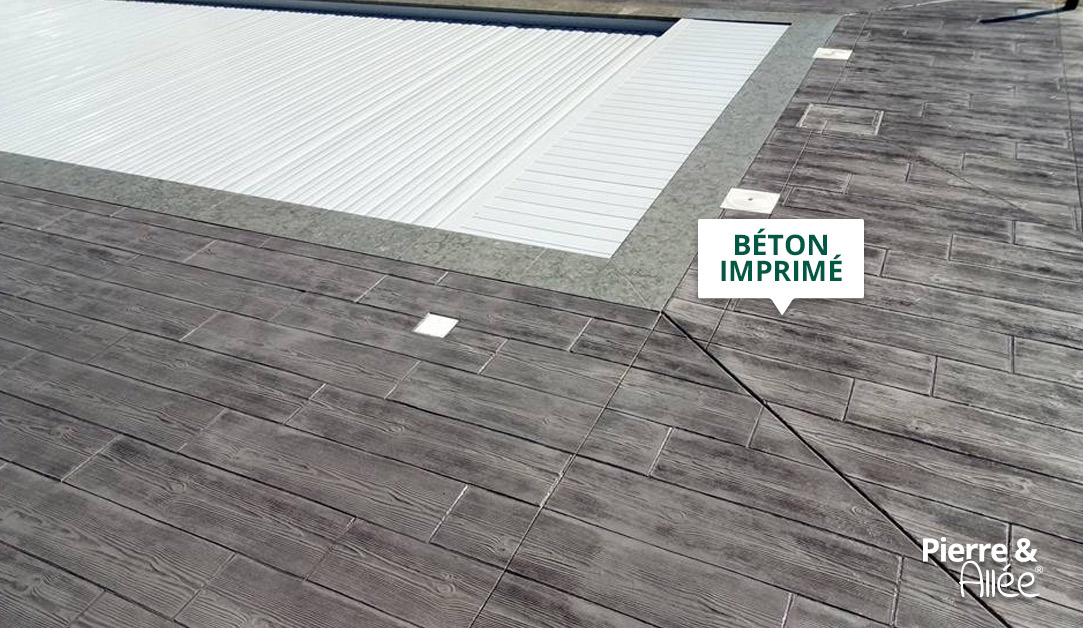 contour de piscine en beton imprime